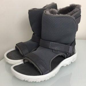 6297f1efc340 Teva x Ugg Hybrid Grey Sheepskin Sandals Womens 7